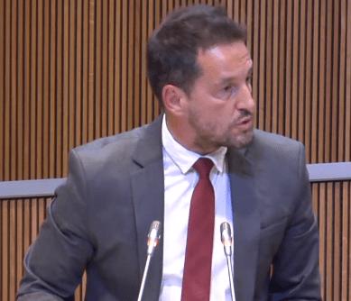 """López acusa el govern de crear """"una oficina de col·locació"""" de càrrecs pels liberals"""