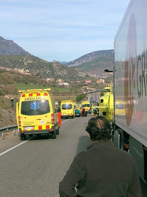 Reoberta la C-14 a Coll de Nargó després del tall patit per un accident greu de trànsit