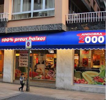 Estrena abans de l'estiu del nou Carrefour Andorra 2000