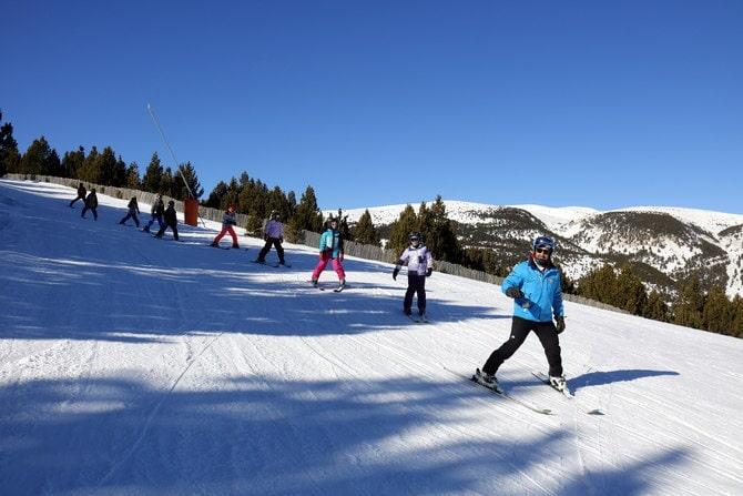 Els impagaments del Govern de la Generalitat fan suspendre l'esquí escolar