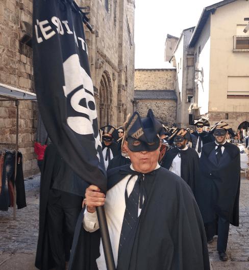 Les sàtires als polítics i al Copríncep Vives centren les corrandes de l'Estudiantina de la Seu
