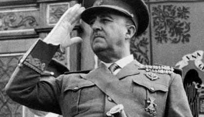 Quaranta-cinc anys després de la mort de Franco arriba la justícia contra els nostàlgics del règim