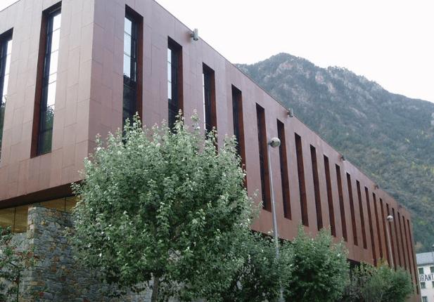 El SEP creu insuficient la convocatòria de 25 edictes per cobrir vacants de professors