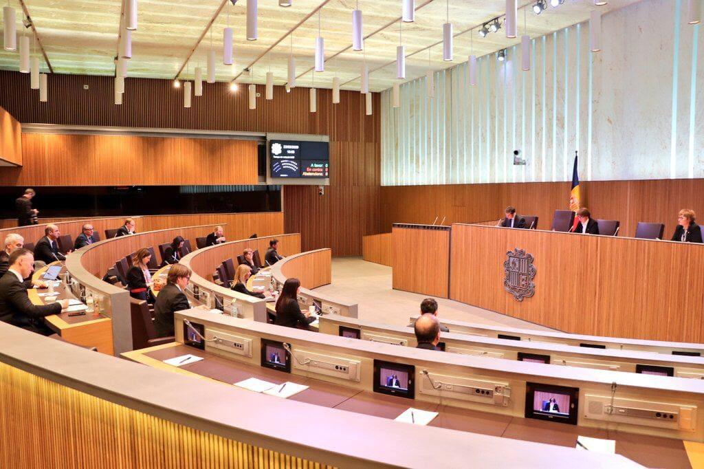 En el primer dia de registre, 77 persones informen  d'haver estat acomiadades a Andorra