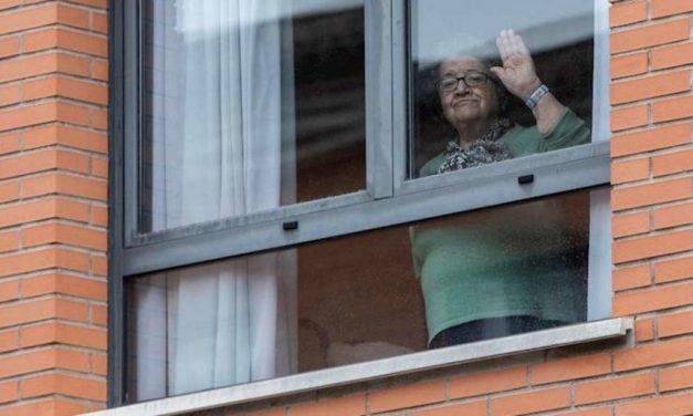 Els avis de les residències catalanes podran passar el confinament a casa