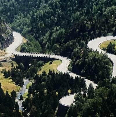 Andorra tanca carreteres per evitar desplaçaments a la muntanya a fer esport o activitats d'esbarjo