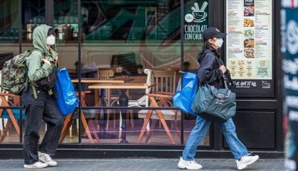 La Generalitat recomana l'ús de mascaretes per anar a comprar