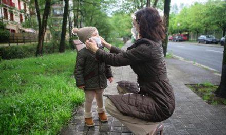 Els infants de 0 a 13 anys surten al carrer després de 43 dies confinats