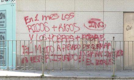 Les desigualtats socials provocades pel corovarius, escrit d'una pintada al centre d'Andorra