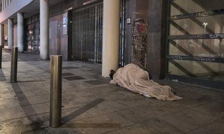 La crisi de la Covid-19 condemna a més gent a viure al carrer