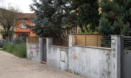 Trifulga entre veïns i ocupes d'un xalet de la Seu d'Urgell, amb un resident ferit