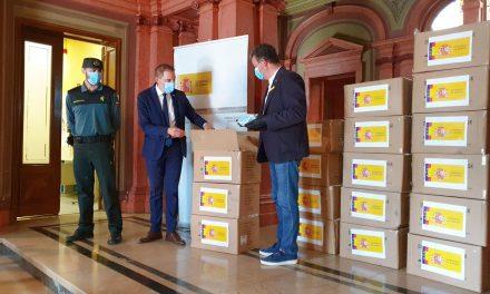L'ajuntament de la Seu rebrà 1.750 mascaretes enviades pel govern espanyol per als seus treballadors