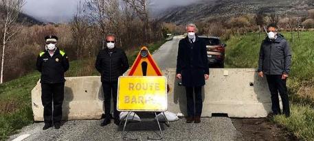 """Llívia és un """"autèntic colador"""" tot i el tancament de les fronteres franceses"""