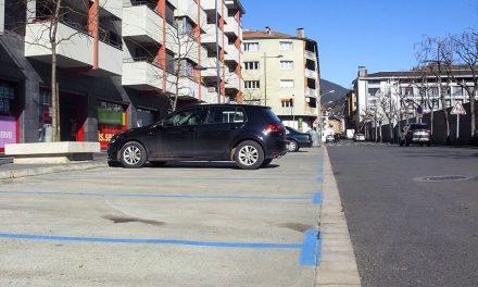 A l'ajuntament de Fàbrega li falta temps per restablir el pagament a les zones d'estacionament