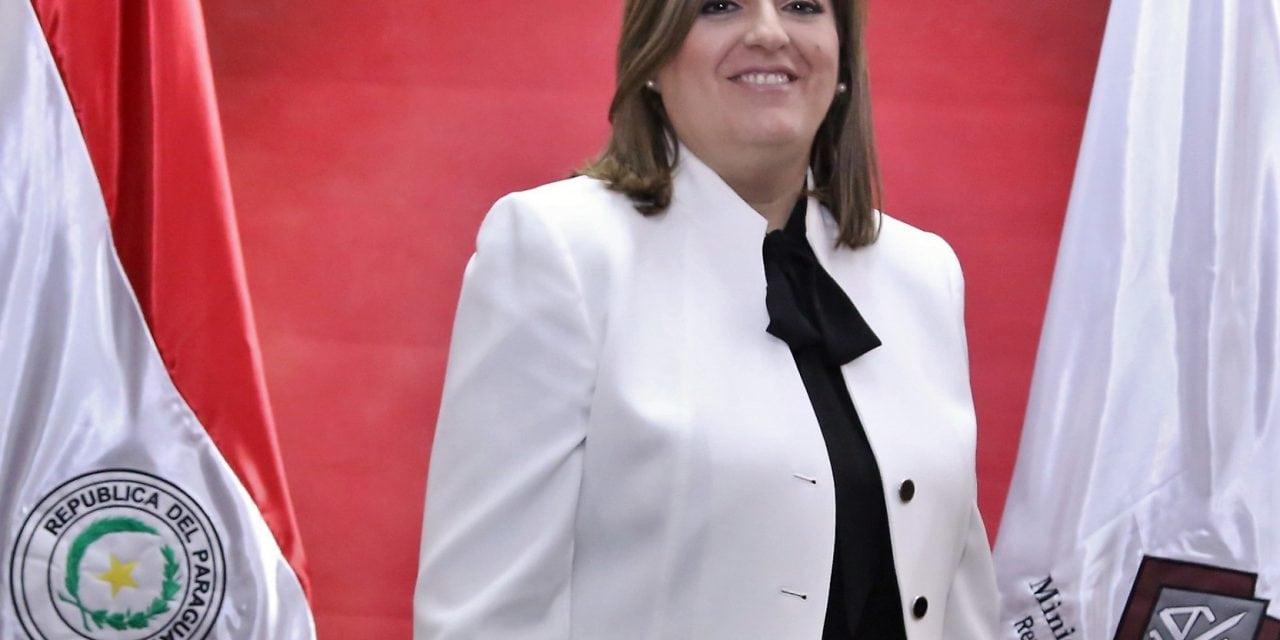 """Sandra Quiñónez, a qui Alfons Alberca dona suport, acusada de ser """"la fiscal de la màfia"""""""