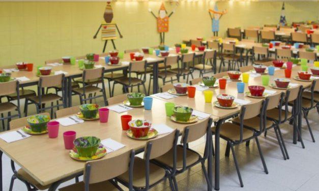 La Generalitat no fa els deures i deixa en mans dels ajuntaments les beques menjador