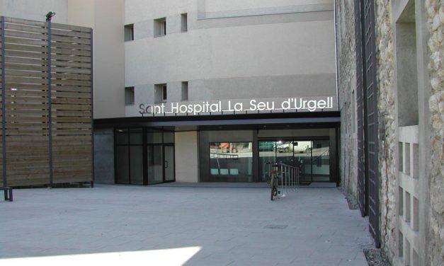 Una dona gran ingressa per covid-19 a l'Hospital de la Seu d'Urgell