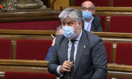 El president del grup de JxCat amenaça els funcionaris del Parlament
