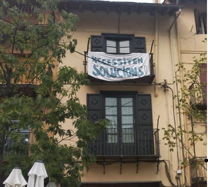 Veïns de les places Cabrinetty i del Rec de Puigcerdà denuncien incivisme i delinqüència