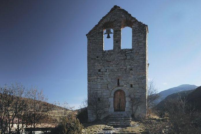 Els veïns volen revocar la immatriculació de l'església de Sant Julià de Pedra de Cerdanya