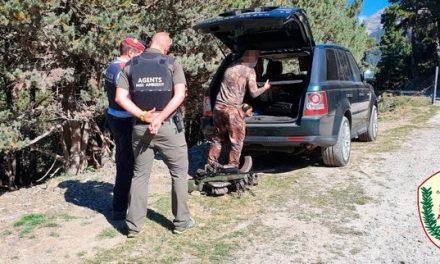 Agents de Medi Ambient realitzen controls d'accés motoritzat al medi natural i de caça a l'Aran