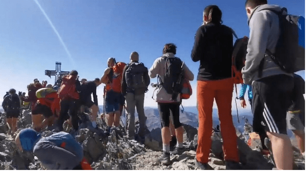 El Parc Natural de l'Alt Pirineu regularà l'accés després de la massificació de gent a la Pica d'Estats