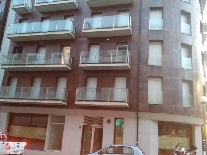 Detenen un home a la Seu d'Urgell per facilitar la 'okupació' de pisos