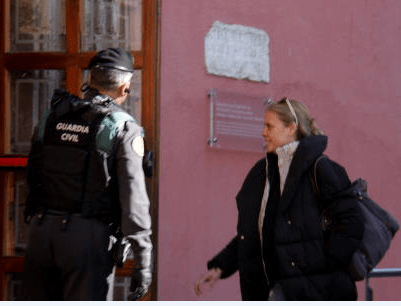 Continuen investigats Batalla, Fierro i Mireia Font per presumptes delictes de frau de diners públics