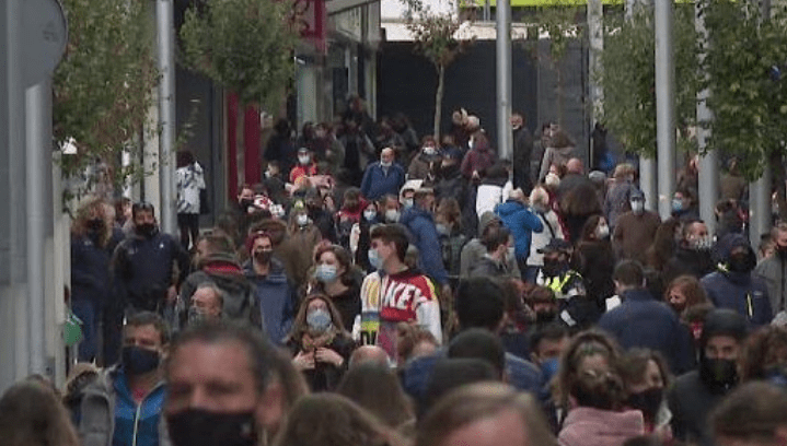 """Espot """"relativitza"""" les imatges d'aglomeracions de turistes i alhora no descarta el confinament"""
