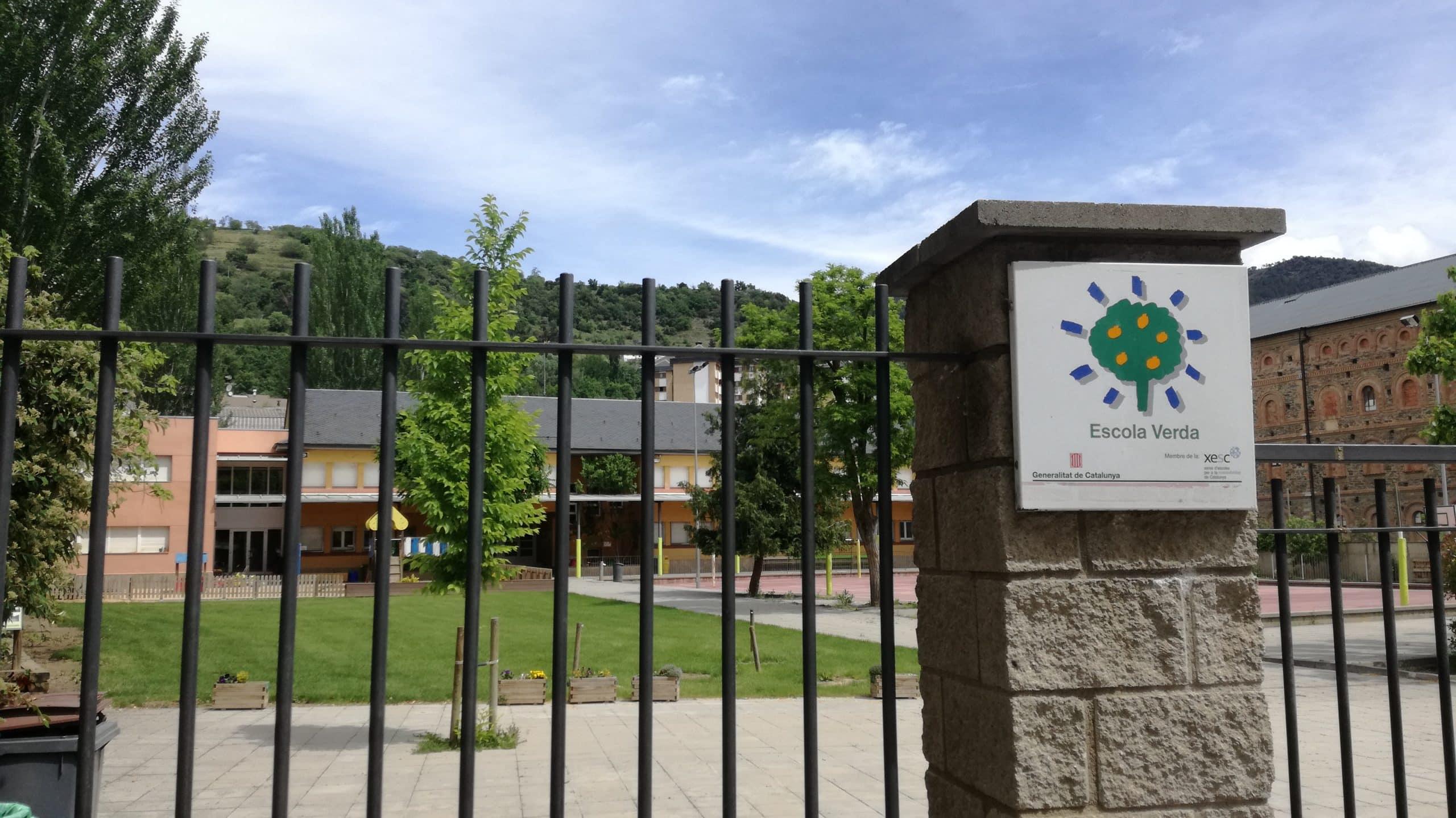Cribratge massiu dilluns a l'escola Pau Claris amb un augment dels casos positius a la Seu de 71