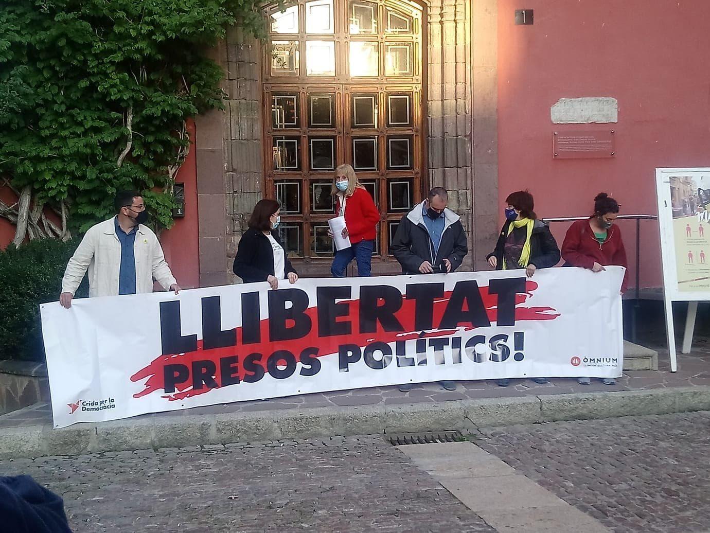 La Defensora del Poble de la Seu trenca la neutralitat arremetent contra el govern i l'Estat espanyol