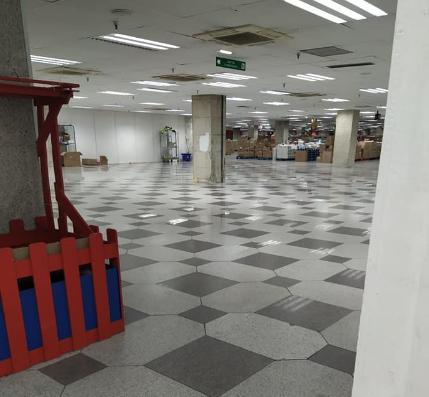 Recta final per a l'històric centre comercial Punt de Trobada de Sant Julià de Lòria