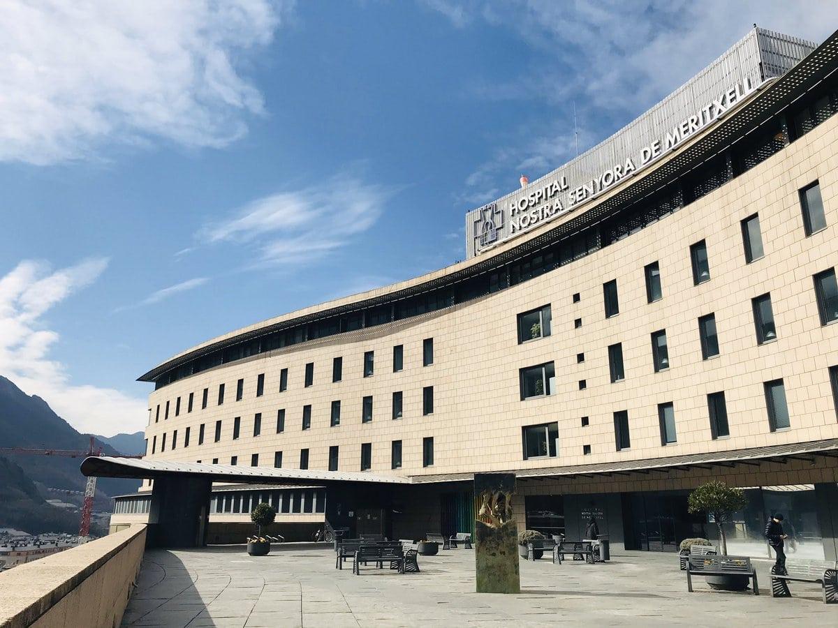 Una nova defunció i 62 nous casos de coronavirus a Andorra