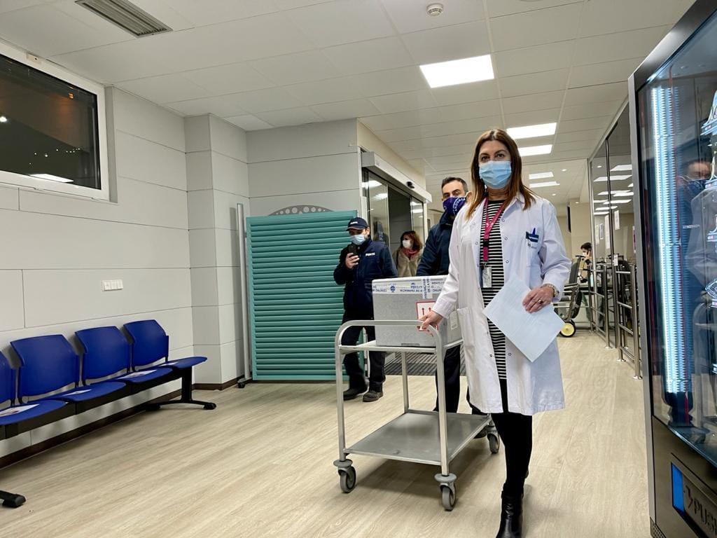 Les primeres 1.000 vacunes ja són a l'Hospital de Meritxell procedents de Madrid