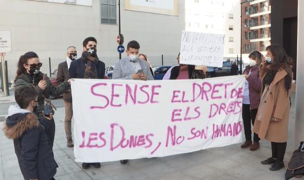 """Mendoza reclama a la Fiscalia que arxivi el seu cas perquè """"pensar diferent és un dret"""""""